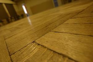 Comment nettoyer les vieux planchers de chêne