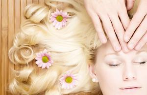 Comment naturellement faire cheveux blonde pendant la nuit