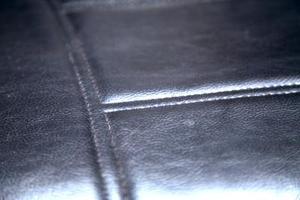 comment r parer un canap en cuir us. Black Bedroom Furniture Sets. Home Design Ideas