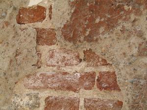Comment arrêter le sel de venir par le biais de la peinture sur un externe rendu mur