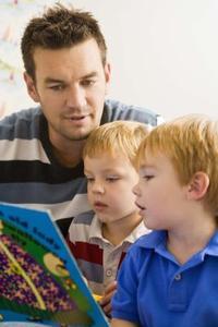 L'importance de l'angle de la bibliothèque d'âge préscolaire