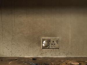 Comment faire pour enlever la suie sur les murs