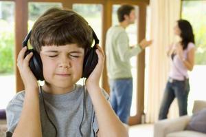 Comment une mauvaise enfance affecte les relations ?