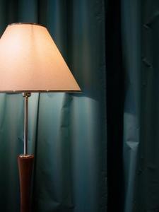 Comment réparer un lampadaire bancale