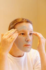 Comment faire pour supprimer les cicatrices d'acné à moindre coût