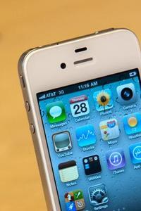 Comment faire pour transférer téléphone numéros d'un Motorola RAZR V3 vers un iPhone