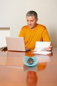 Comment écrire une lettre d'affaires posant pour un don