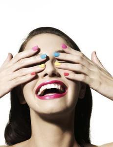 Comment protéger le vernis à ongles pendant que vous dormez