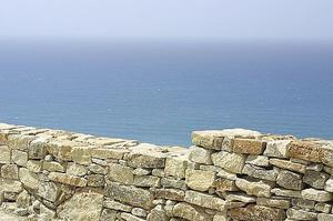 Comment construire un mur de soutènement de brique ou Pierre