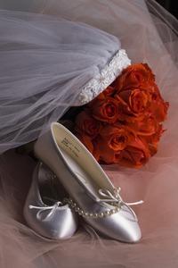 comment nettoyer des chaussures de mari e. Black Bedroom Furniture Sets. Home Design Ideas
