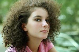 Signes & les symptômes d'une adolescente avec un déséquilibre hormonal