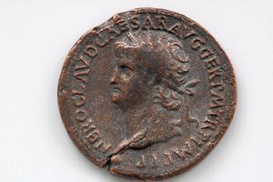 Les meilleures façons de nettoyer les pièces de monnaie romaines