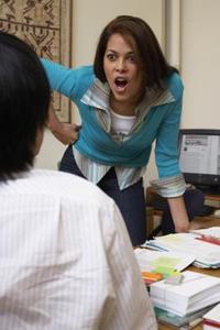 Comment écrire une lettre de réclamation sur l'intimidation à un gestionnaire de bureau