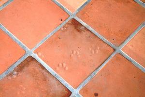 Façon de poser la tuile & réparation fissures de béton dans le plancher