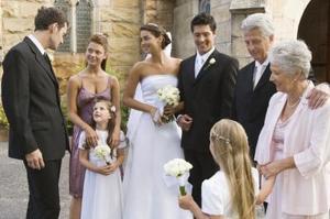 Comment décorer une église pour un mariage d'hiver