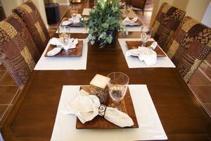 Comment faire pour réparer les rayures sur une Table en bois