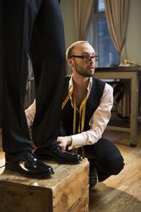 Faire un ourlet pantalon cuir - Comment faire un ourlet de pantalon ...