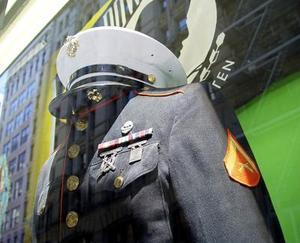 Réglementation uniforme alpha dans le Corps des marines