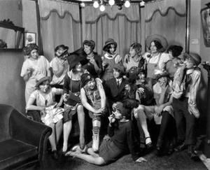 Comment coudre un modèle de robe garçonne des années 1920