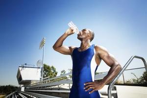 Comment identifier les bouteilles d'eau sans BPA pour le recyclage
