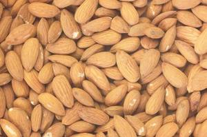 Quelles sont les différences entre une saveur d'amande naturelle & extrait ?