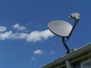 Comment connecter une TV, le magnétoscope & le DVD à DISH Network