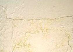 Comment réparer les plafonds en plâtre fissuré