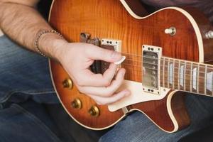 Mince Guitar Picks vs Thick médiators
