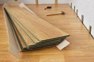 combien de temps devrait b ton sec avant de poser un sol stratifi. Black Bedroom Furniture Sets. Home Design Ideas