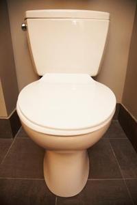 couper colonne de plombs toilette. Black Bedroom Furniture Sets. Home Design Ideas