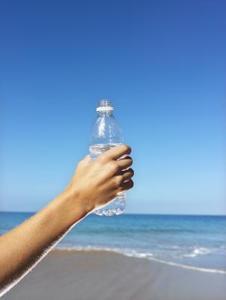 Comment faire sécher l'intérieur d'une bouteille en plastique