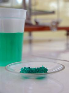 Comment calculer Zwitterion et eau pH