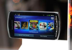 Comment prendre le couvercle de la batterie sur un Sony Ericsson