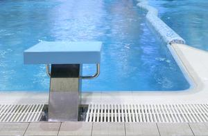 Contrefort en beton piscine for Infection urinaire et piscine