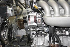 Comment changer l'alternateur sur une Dodge 2500 Diesel