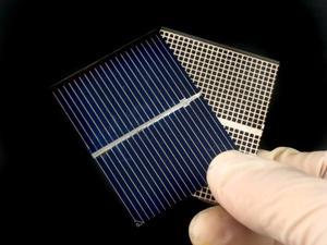 Comment construire une voiture solaire jouet motorisé avec matériaux maison