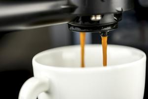 Comment nettoyer un pot de café percolateur avec du vinaigre