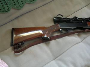 Comment faire des réparations gratter sur un Stock d'armes à feu