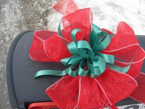 Comment faire pour attacher un ruban de Noël