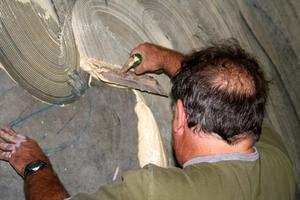 La meilleure façon d'enlever colle de tapis
