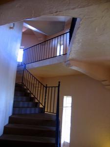 Comment faire pour changer les tapis dans les escaliers en bois