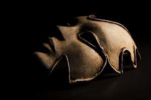 Comment faire des masques en papier mâché pour votre visage entier