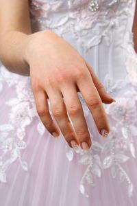 Quelles sont les causes des épingles & aiguilles dans un bras ?