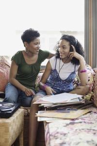 Techniques pour aider les adolescentes à développer l'estime de soi élevée