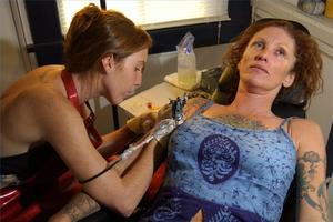 Comment concevoir un tatouage manches trimestre