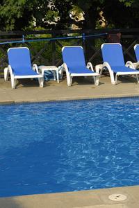 Contrefort en beton piscine for Chauffe piscine solaire maison