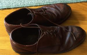 Comment teindre des chaussures en cuir verni