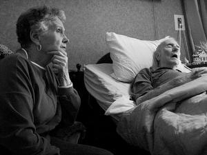 Quelle est la différence entre alzheimer et démence ?