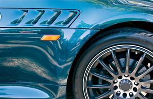 Haut de la page suppression pour une Mustang Décapotable