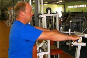 Une comparaison de vibration des machines de musculation